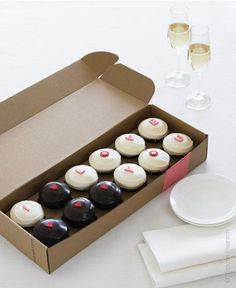'I Love You' box from Sprinkles Cupcakes - Great for Valentine's Day!