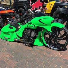 Follow us on snapchat @baggermilitia to see more bikes like @rusty_jones_customs new @victorybikes bagger #baggermilitia #militiaindustries