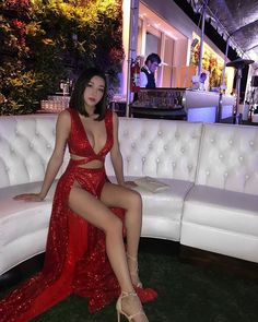 Emily Mei ( ்▿்) 🇨🇳🇺🇸 -- Sometimes i dress like a girl 🤷🏻♀️ chillin at last nights event ~ -- https://www.instagram.com/p/Bci2tgKjfSm/.jpg