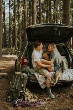 World Camping. Tips, Tricks, And Techniques For The Best Camping Experience. Camping is a great way to bond with family and friends. Camping Theme, Beach Camping, Go Camping, Couples Camping, Camping Hacks, Camping Holidays, Camping Signs, Camping Coffee, Camping Cooking