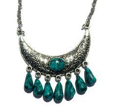 collier pendentif demi-lune et ses pampilles imitation turquoise pâte polmère