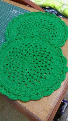 Jogo de souplat verde de crochê