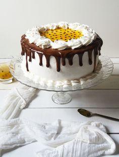 i was watching a movie vho sab nai dekh raha tha mai Cake Decorating Frosting, Cake Decorating Designs, Cake Decorating Videos, Cake Designs, Cake Icing, Buttercream Cake, Cupcake Cakes, Drip Cake Recipes, Dessert Recipes