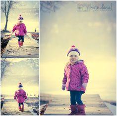Calgary-children-photographers-Kate-Daniel-Photography-winter-family-walk_0001