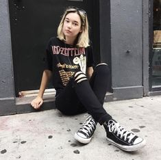 outfit, style, and sarah snyder imageの画像 Style Outfits, Rock Outfits, Petite Outfits, Edgy Outfits, Grunge Outfits, Grunge Fashion, Trendy Fashion, Cute Outfits, Fashion Outfits