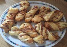 Blätterteig-Schinken-Käse-Stangen, ein sehr schönes Rezept aus der Kategorie Fingerfood. Bewertungen: 1.010. Durchschnitt: Ø 4,6.