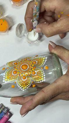 Dot Painting Tools, Dot Art Painting, Stone Painting, Mandala Art Lesson, Mandala Drawing, Mandala Painted Rocks, Mandala Dots, Diy Canvas Art, Rock Crafts