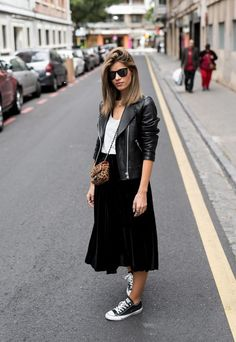 15 velvet midi skirt outfits to try out 15 velvet midi skirt outfits . - 15 velvet midi skirt outfits to try out 15 velvet midi skirt outfits to try out # - Mode Outfits, Skirt Outfits, Fall Outfits, Casual Outfits, Fashion Outfits, Sneakers Fashion, Jackets Fashion, Vest Outfits, Black Outfits