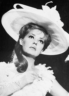 Jeanne Moreau Jeanne Moreau, French Movies, Portrait, Actors, Celebrities, Wave, Female, Film, Movie