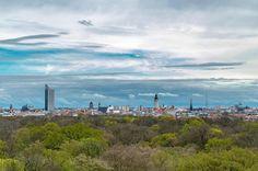 Einfach mal den Blick über diese Stadt genießen.... Immer wieder #leipzigcity #leipzigtravel #leipzigliebe #leipzig #leipzigartig #leipziglove #bestplace #love #like #follow #picoftheday #sunday #himmel #wolken #licht #clouds #cloudporn #sky #skyline #skyscraper #thisisleipzig #thisissaxony #sogehtsaechsisch #ig_worldclub #ig_leipzig #awsome #amazing