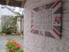 Good times in Cornwall, nicht nur wegen Scones und Champagner. Foto: Doris