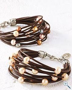 Diy Jewelry This looks easy enough to make - I'm crazy for these Chan Luu pearl and leather bracelets from Garnet Hill. This combination adds edge to a classic.Pearl and nugget wrap bracelets,… Pandora Jewelry, Pearl Jewelry, Wire Jewelry, Jewelry Crafts, Beaded Jewelry, Jewelery, Jewelry Bracelets, Handmade Jewelry, Diy Bracelet