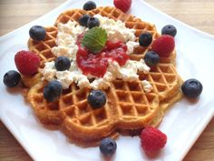 These super delicious waffles are one of my favorites recipes! They are inspired to taste exactly what Norwegians waffles should taste like. And they are made completely vegan with some healthier twists! Norwegian Waffles, My Favorite Food, Favorite Recipes, Waffle Recipes, Frisk, Delicious Vegan Recipes, Cottage Cheese, Vegan Foods, Vegan Breakfast