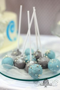 blue and gray wedding cakepops