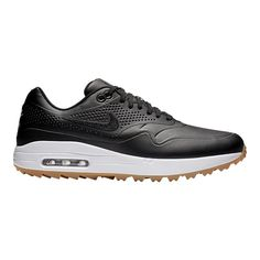 A visible Max Air unit cushions each step for comfort from the first tee to the final green. Ladies Golf, Women Golf, Air Max Sneakers, Sneakers Nike, Nike Golf Men, Golf Wear, Air Max Women, Golf Fashion, Golf Outfit