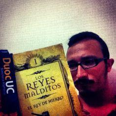 Comenzando una nueva saga!! #bibliotecasduocuc #bookselfieduocuc #diadellibroduocuc #duocalameda