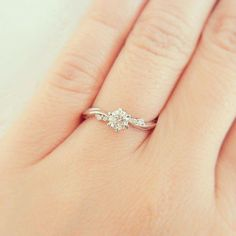 52 simple engagement rings for girls who love the classic style 2019 . - 52 simple engagement rings for girls who love the classic style 2019 9 Wedding Rings Simple, Wedding Rings Rose Gold, Bridal Rings, Unique Rings, Wedding Jewelry, Simple Rings, Trendy Wedding, Simple Promise Rings, Wedding Band
