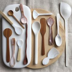 kitchen products utilities utensils tools brown camel white spoon spoons