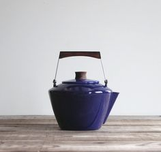 Cathrineholm Teapot / Scandinavian Modern Cobalt Blue Enamelware Tea Kettle