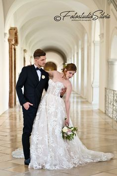 Lace Wedding, Wedding Dresses, Fashion, Curve Dresses, Bride Gowns, Wedding Gowns, Moda, La Mode, Weding Dresses