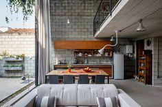 outside-inside-house-by-terra-e-tuma-arquitetos-associados-4.jpg