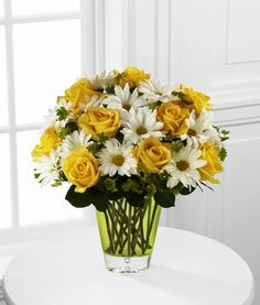 Columbus, Ohio flower delivery made easy with Giffin's Floral Designs. Our floral arrangements are unique flower designs created with artistic flowers flare, and then hand-delivered to your loved one's door. Unique Flowers, Fresh Flowers, Pretty Flowers, Bee Friendly Flowers, Online Florist, Order Flowers Online, Same Day Flower Delivery, Bride Flowers, Funeral Flowers