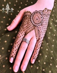 Mehndi designs are applied on hands and feet at imperative weddings and other occasions. Today, Mehndi is exceptionally prevalent in Eastern nations. Mehndi Designs For Kids, Simple Arabic Mehndi Designs, Back Hand Mehndi Designs, Indian Mehndi Designs, Modern Mehndi Designs, Mehndi Design Pictures, Wedding Mehndi Designs, Mehndi Designs For Fingers, Beautiful Mehndi Design