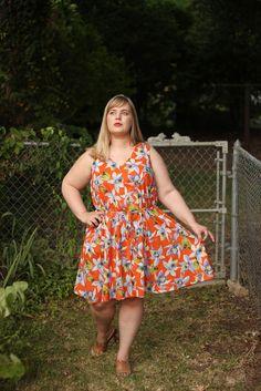 Idle Fancy: Miss Gloria Feels the Heat: Papercut Sway Dress Modest Wedding Dresses, Simple Dresses, Beautiful Dresses, Plus Size Gowns Formal, Plus Size Dresses, Special Dresses, Special Occasion Dresses, Shirred Dress, Dress Tutorials