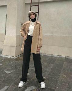 #tarz #trend #anasayfa #keşfet #tesettürmodel Modern Hijab Fashion, Street Hijab Fashion, Modesty Fashion, Hijab Fashion Inspiration, Workwear Fashion, Muslim Fashion, Streetwear Fashion, Fashion Outfits, Modest Outfits Muslim