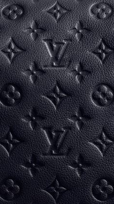Loui Vuitton Black