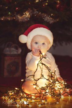 5bd814411e1c 266 Best Baby Christmas Photos images   First christmas, Photo kids ...