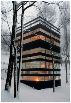 kind of like this most modern abode - surprised at myself; must be very good architecture!