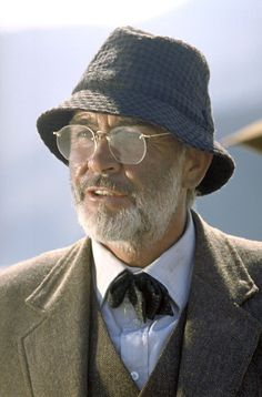 Sean Connery as Indiana Jones's father. Indiana Jones and the last crusade is a Harrison Ford movie. Father's Day Movie, Movie Film, Sean Connery James Bond, Indiana Jones Films, Henry Jones, Scottish Actors, Harrison Ford, New Poster, Portraits