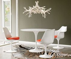 Antler Chandelier   Retro Interior   Eero Saarinen   Tulip Table   Dining Room Ideas   Modern Furniture