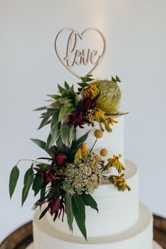 Banksia and Gumnuts <3 Cake Flowers, Wedding Cakes With Flowers, Beautiful Wedding Cakes, Wedding Bouquets, Wedding Cake Inspiration, Wedding Ideas, Baby 1st Birthday, Floral Cake, Love Cake