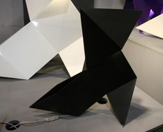 Lampe noire Marius origami création française