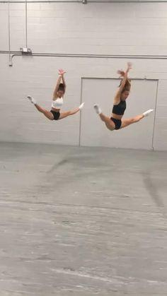 Ballet Dance Videos, Dance Tips, Dance Choreography Videos, Ballet Dancers, Dancer Workout, Dance Workout Videos, Ballerina Workout, Contemporary Dance Videos, Modern Dance