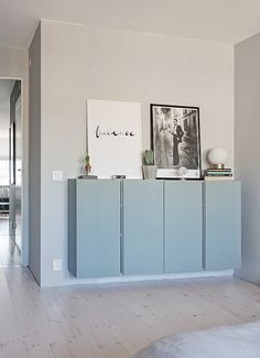 Grey walls and marble Ikea Inspiration, Decoration Inspiration, Interior Inspiration, Ikea Ivar Cabinet, Flur Design, Interior Decorating, Interior Design, Home And Deco, Grey Walls