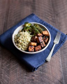 My Favorite Lemon Pepper Baked Tempeh Cubes + Lemon Pepper Tempeh and Herbed Rice Bowl | The Full Helping