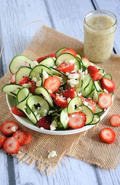 Cucumber Strawberry Poppyseed Salad Recipe ~ A refreshing and crisp salad with spiralized cucumbers, juicy strawberries and feta salad all topped with a fruity poppyseed dressing! Maybe add coriander and switch feta for something else? Strawberry Poppyseed Salad, Strawberry Spinach, Strawberry Recipes, Strawberry Salads, Strawberry Summer, Clean Eating, Healthy Eating, Spiralizer Recipes, Cooking Recipes