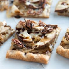 This easy pizza recipe can be dinner or turned into an appetizer. An easy pear pizza, with savory sweet onions, mozzarella cheese, a balsamic syrup and tender pear. Walnut Recipes, Pear Recipes, Pizza Recipes, Cake Recipes, Pesto Pizza, Pizza Pizza, Big Pizza, Appetizers For Party, Appetizer Recipes