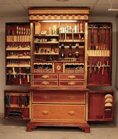 Dream Tools - jewelers  Definitivamente mi alhajero sería así...belleza!