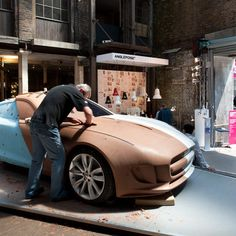 'In this movie we filmed at Clerkenwell Design Week earlier this year, clay modeller for car brand Jaguar Charles Douglas tells Dezeen editor-in-chief Marcus Fairs how he turns a designer's sketch into a form that can be scanned for manufacture. Designer Automobile, Design Model, Design Cars, Auto Design, Clay Design, Transportation Design, Automotive Design, Ford Focus, Magazine Design