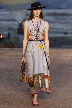 http://www.vogue.com/fashion-shows/resort-2018/christian-dior/slideshow/collection