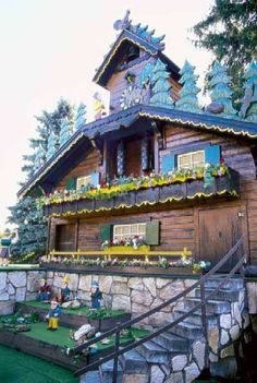 World's Largest Cuckoo Clock: Wilmot, Ohio No longer in Wilmot. They dismantled it and moved it to Sugar Creek.