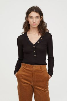 Fitted, long-sleeved top in airy rib-knit fabric. V-neck and button placket. Sneaker Trend, Ribbed Top, Rib Knit, Black Tops, Long Sleeve Tops, Black Women, Summer Outfits, Shirts, Style Inspiration