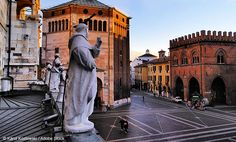 Cremona la città delle tre T ~ Italy Travel Web Circular Economy, Verona, Italy Travel, Wonders Of The World, Places Ive Been, Cathedral, Travel Destinations, Recycling, Louvre