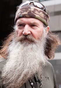 Duck Dynasty's Phil Robertson Stands By Anti-Gay Remarks; Cracker Barrel Caves