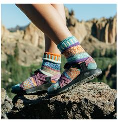Sock Shoes, Cute Shoes, Me Too Shoes, Fitness Style, Solmate Socks, Granola Girl, Socks And Sandals, Shoes Sandals, Clogs
