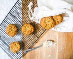 These are so so so delicious satisfying and easy to make :) Vegan Food, Vegan Vegetarian, Vegan Recipes, Vegan Oat Cookies, Cinnamon Oatmeal, Vegan Butter, No Bake Cookies, Tray Bakes, Cookie Dough